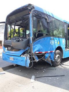 Bus de Mío accidentado