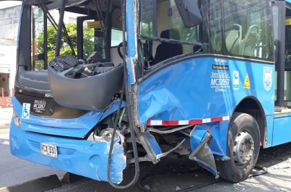Bus de Mío accidentado