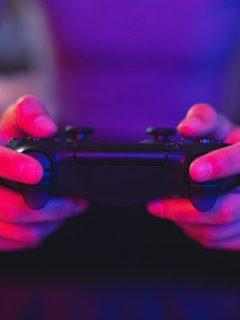 Jugó videojuegos durante 527 horas para establecer un récord mundial