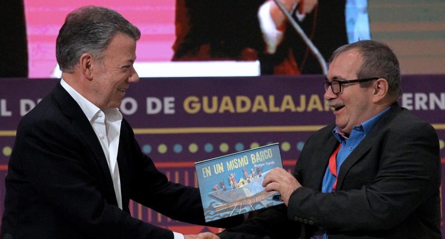 Juan Manuel Santos y Rodrigo Londoño, 'Timochenko'
