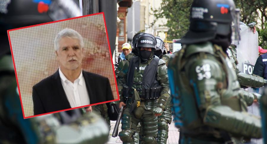 Enrique Peñalosa y agentes del Esmad