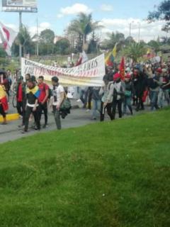 Con bloqueos de miles de personas en varios puntos, avanzan marchas en Bogotá