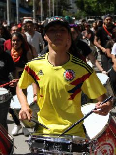 [Videos] Estruendo de tambores se tomó Parque de la 93 y se dirige a la Plaza de Bolívar
