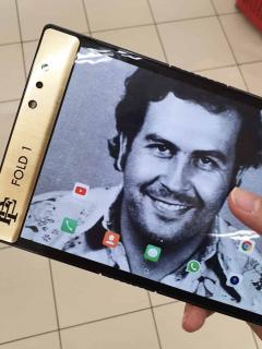 ¿Qué tiene de raro el celular que acaba de lanzar el hermano de Pablo Escobar?