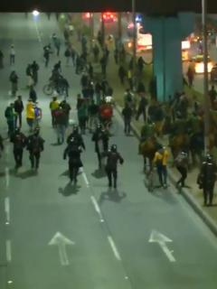 Disturbios en la autopista Sur