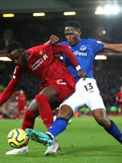 Liverpool propinó a Yerry Mina su peor goleada en Inglaterra y lo dejó en zona de descenso