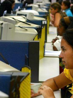 Apenas para la Navidad: abren oferta de trabajo para jóvenes en Bogotá