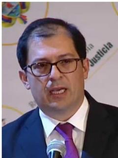 "Candidatos de Duque a fiscal ""militan en esa franja de orates que lo rodean"": Duzán"