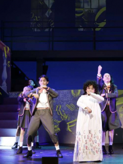 Pregunta sobre fábula de Rafael Pombo rajó al elenco de musical del Teatro Colón