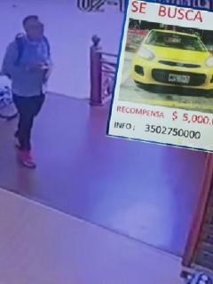 Le dieron trabajo en taxi y 12 horas después ya se había robado el carro, en Bogotá