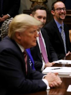 La vanidosa razón por la que a Trump no le gustan los bombillos ahorradores de luz blanca