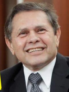 """Juez que habría sido sobornado por Carlos Mattos sigue """"fresco"""" impartiendo justicia"""