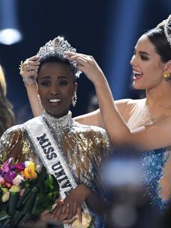 Sudáfrica se convierte en la quinta mujer de raza negra en ser Miss Universo