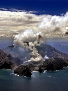 5 muertos y sin esperanzas de más sobrevivientes en erupción de volcán en Nueva Zelanda