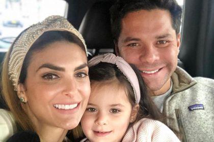 Luis Carlos Vélez, director de La F.m., con su esposa, la presentadora Siad Char, y su hija, Hannah.