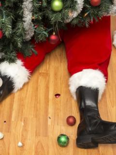 Atención: Papá Noel tuvo su primer accidente al estrellar su trineo ¡en pleno vuelo!