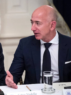 ¿Le saboteó Trump multimillonario contrato a Amazon con el Pentágono?