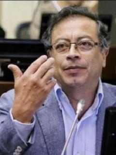 """Respuesta de Adriana Lucía a Petro por decir que vallenato """"se entregó al traqueto"""""""