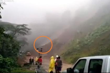 Derrumbe en vía Medellín-Quibdó