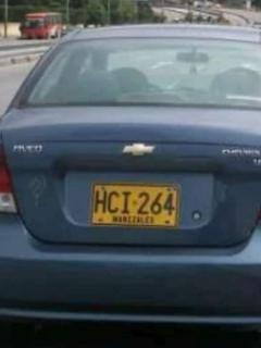 Carros en los que el Esmad metió a manifestantes tienen 14 comparendos en su historial