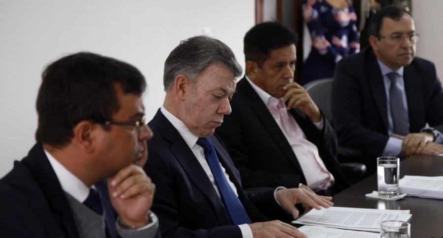 Juan Manuel Santos ante el CNE