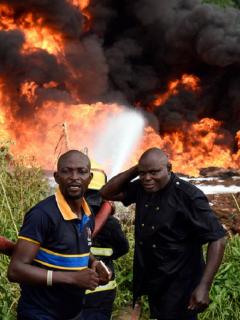 Incendio en Nigeria