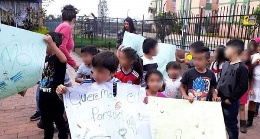 Manifestación de niños por parque