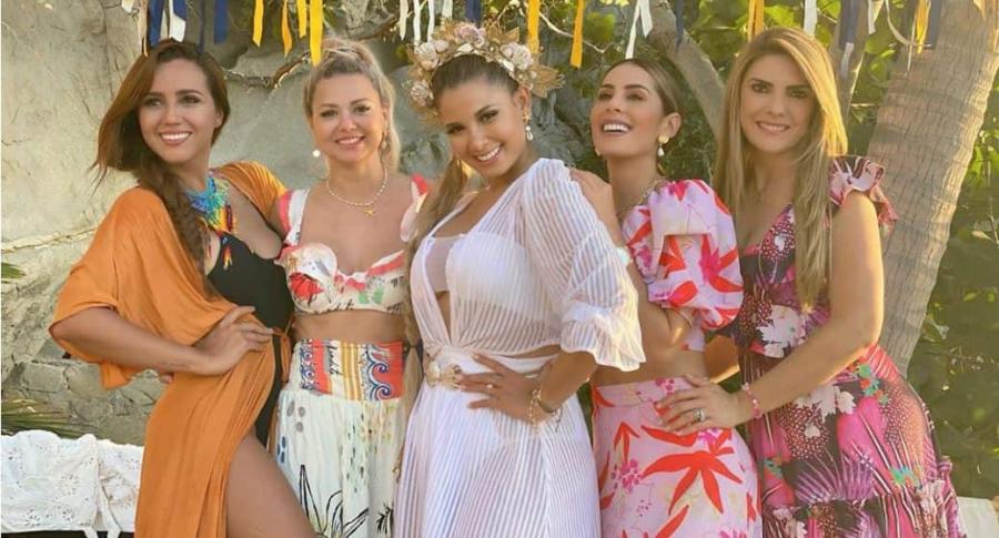 Melissa Martínez con sus amigas y colegas, las presentadoras Tatiana Franco, Carolina Soto y Ana Karina Soto.