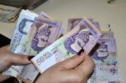 Pesos colombianos.