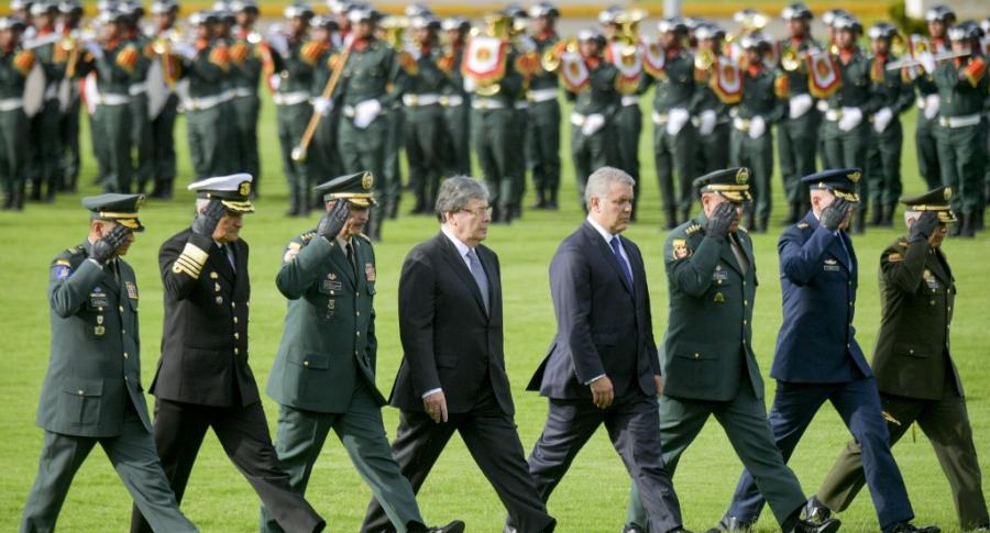 Iván Duque y cúpula militar