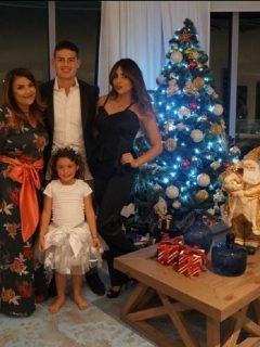 Pilar Rubio, James Rodríguez, Juana Valentina y Salomé Rodríguez