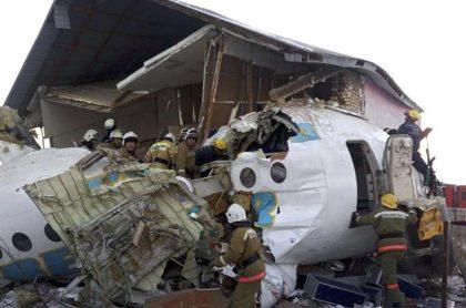 Avión siniestrado en Kazajistán