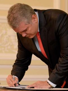 Duque sanciona la reforma tributaria