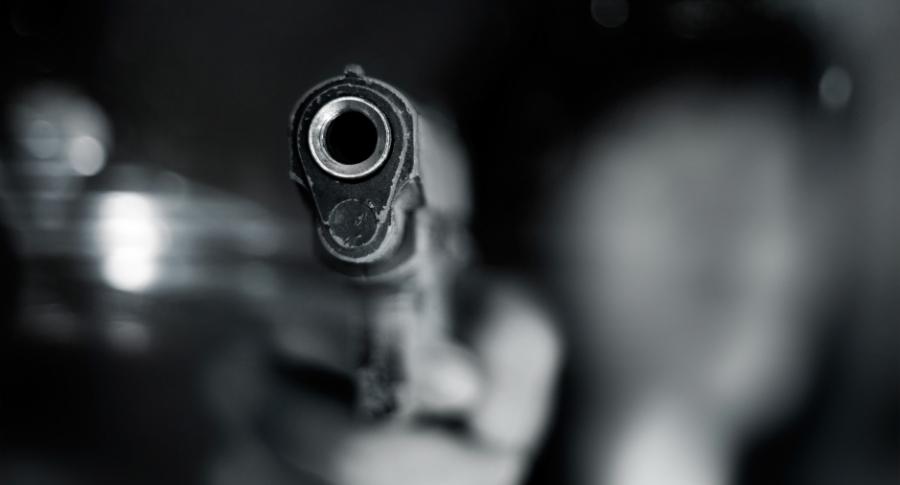 Delincuente armado.