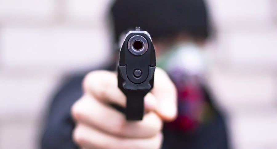 Ladrón, pistola.