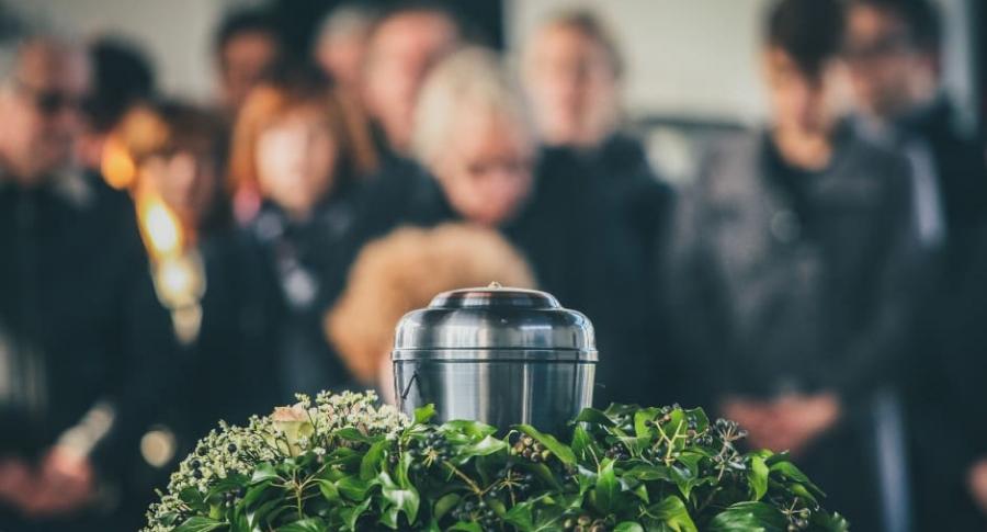 Cenizas en funeral.