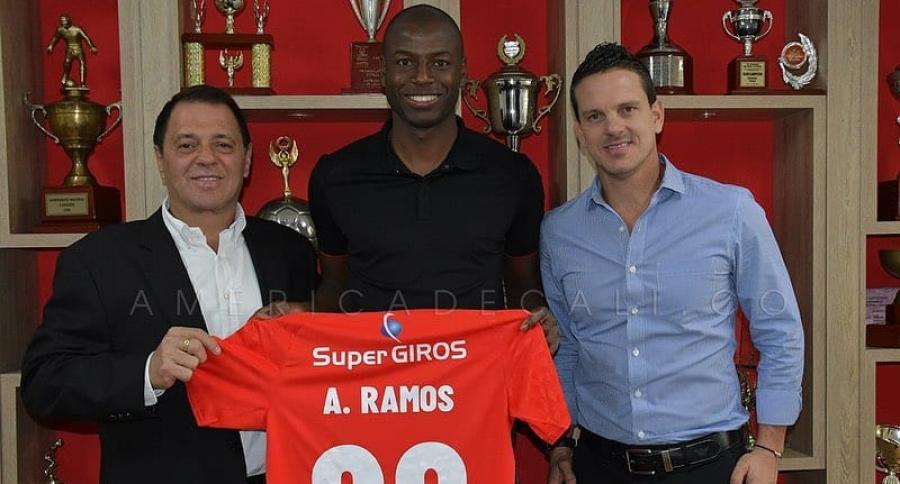 Adrián Ramos regresa al América