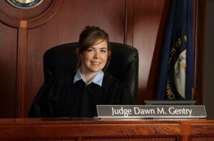 jueza Dawn Gentry
