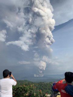 Erupción de volcán Taal, en Filipinas