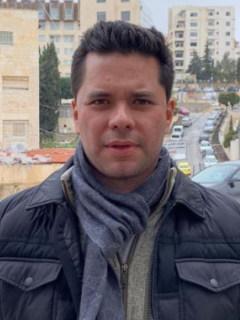 """""""Eres tóxico para nuestro país"""", dice Luis C. Vélez a Petro por demanda contra su padre"""