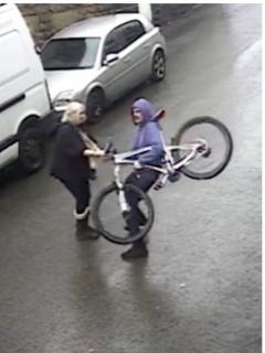[Video] 'Superabuela' enfrenta a joven ladrón y recupera costosa bicicleta robada