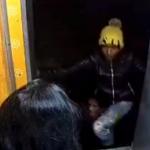 Ladrón en tren de India.