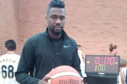 Neicer Lozano, jugador de baloncesto en el equipo Piratas de Bogotá