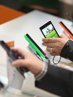 ¡Como pan caliente! Esta marca revivió en Colombia vendiendo celulares a menos de $780.000