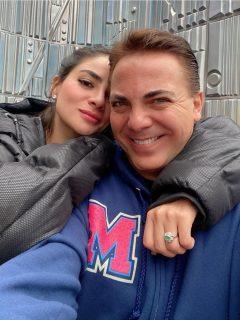 [Video] Supuesta amante de Cristian Castro lo insulta en plena calle y frente a su novia