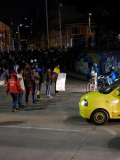 Concierto, bloqueos, cacerolazo y enfrentamientos cerraron jornada del 21E en Bogotá