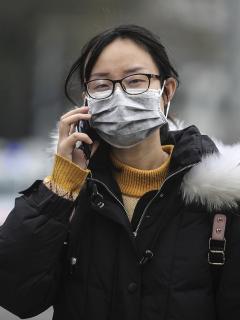 ¿Cuáles son los síntomas del virus que tiene en alerta al mundo?
