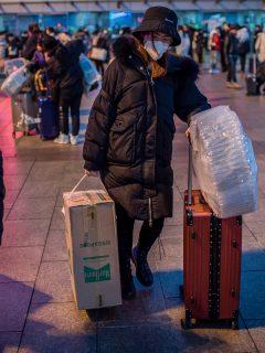 Para que no se siga propagando extraño virus, China prohíbe a ciudadanos salir de Wuhan