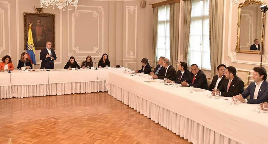 Iván Duque con alcaldes del país