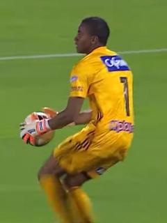 [Video] Faríñez tapó penal y Millonarios venció a Alianza Lima en su 'noche blanquiazul'